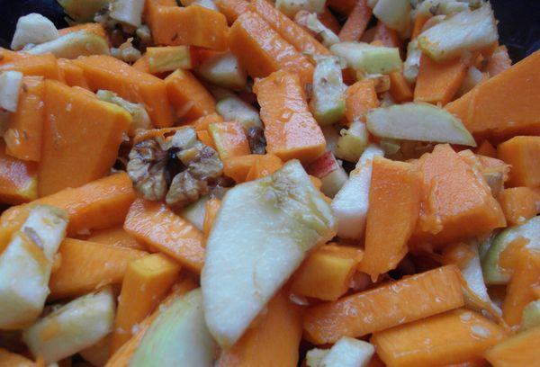салат с дыней и яблоком