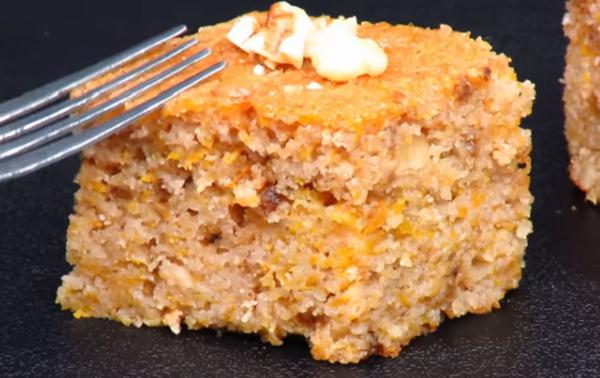 Манный пирог на кефире с тыквой